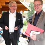 Rheines Bürgermeister Dr. Peter Lüttmann ist sichtlich erfreut und wird schon bald zur ausführlichen Führung wiederkommen, wie er sagt.