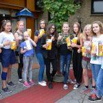 Für so viel Interesse am Film, spendierte Hannes Scheffing vom Cinetech Erlebniskino in Rheine für jeden eine Tüte Poppkorn, so wie eine Freikarte mit Einladung ins große Kino zur Surenburgstraße.