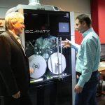 Olaf Legenbauer erklärte die Funktion zur Filmdigitalisierung der Full `HD Digital Film Technology, die eine Auflösung bis zu vollen 4K, 16 Bit ermöglicht.
